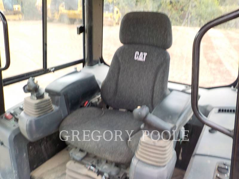 CATERPILLAR TRACK TYPE TRACTORS D3K2 LGP equipment  photo 20