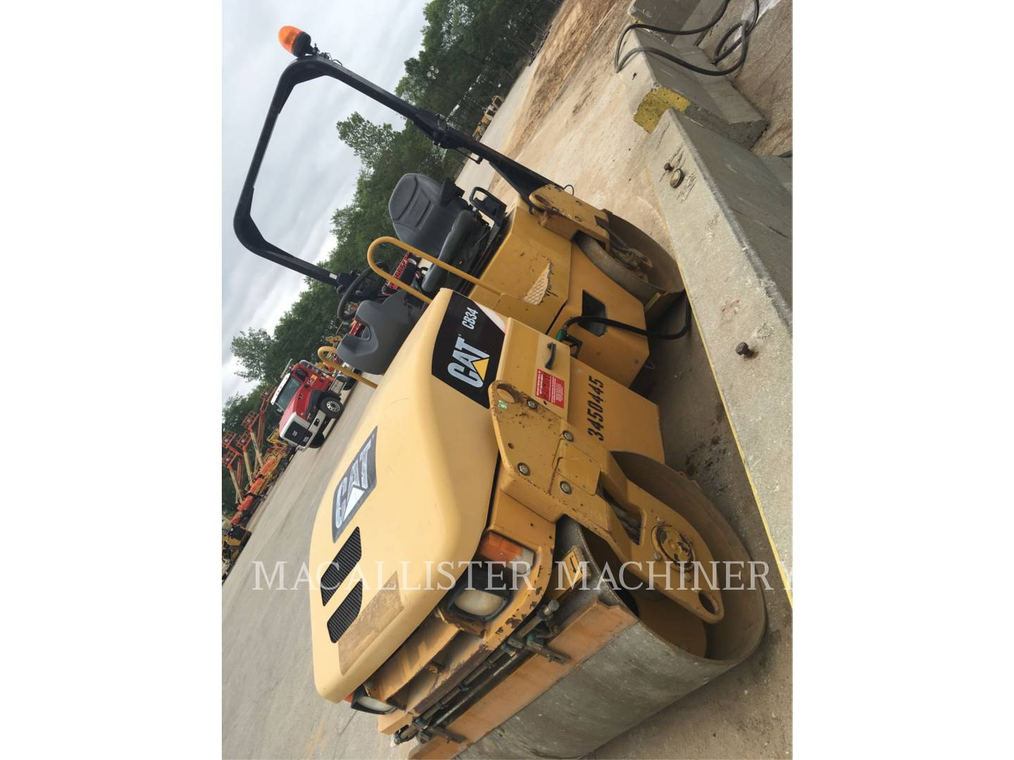 Detail photo of 2010 Caterpillar CB34 from Construction Equipment Guide
