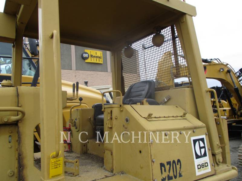 CATERPILLAR KETTENDOZER D6D equipment  photo 4