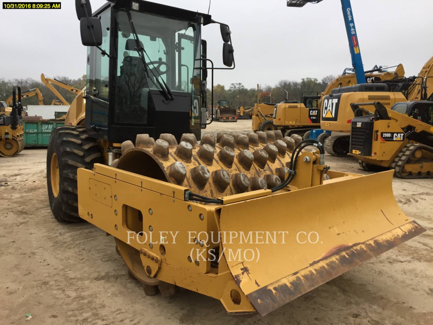 Detail photo of 2013 Caterpillar CP56B from Construction Equipment Guide
