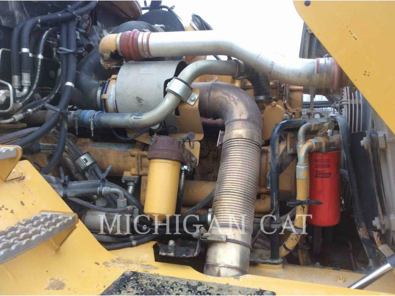 CATERPILLAR ARTICULATED TRUCKS 740 T equipment  photo 11