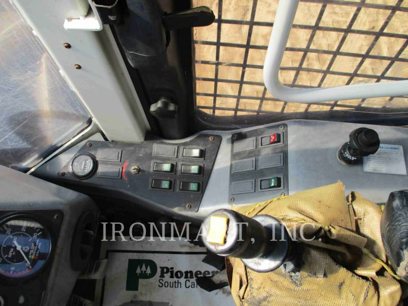 PRENTICE FORESTAL - TALADORES APILADORES - DE RUEDAS 2470 equipment  photo 11