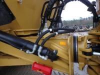 CATERPILLAR KNICKGELENKTE MULDENKIPPER 745C equipment  photo 20