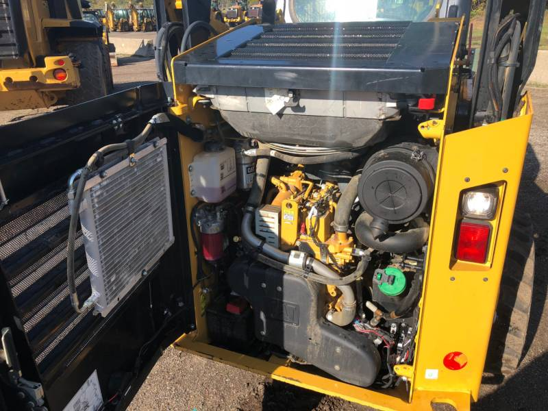 CATERPILLAR SKID STEER LOADERS 242D equipment  photo 14