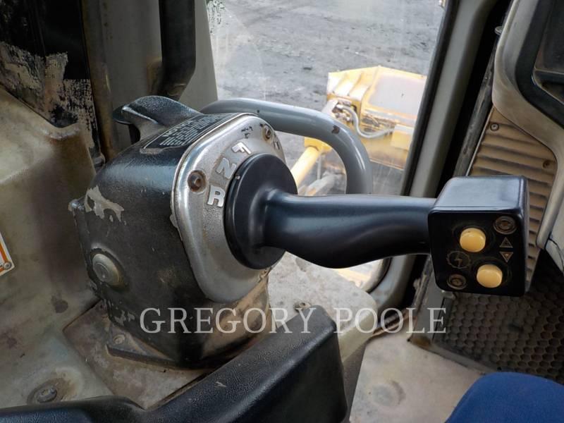 CATERPILLAR TRACK TYPE TRACTORS D6T XL equipment  photo 22