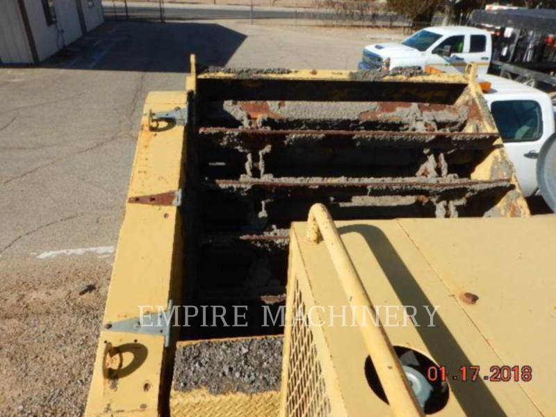 CATERPILLAR MACCHINE RACCOLTA DETRITI PAVIMENTAZIONE STRADALE WE-851B equipment  photo 4