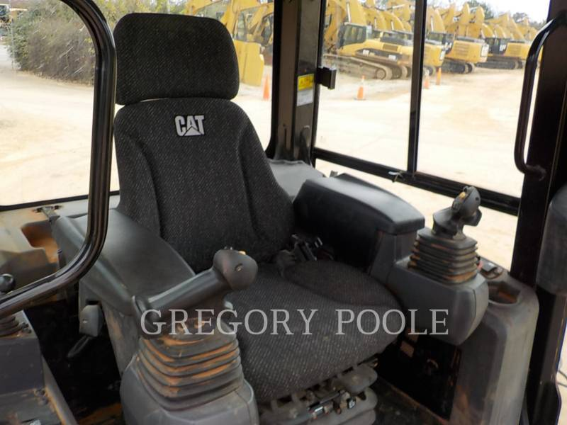 CATERPILLAR TRACK TYPE TRACTORS D5K2 XL equipment  photo 21