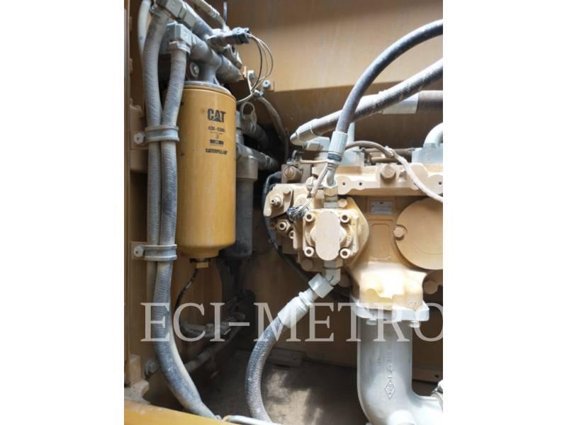 CATERPILLAR TRACK EXCAVATORS 323D2L equipment  photo 20