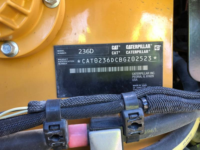 CATERPILLAR CHARGEURS COMPACTS RIGIDES 236 D equipment  photo 22