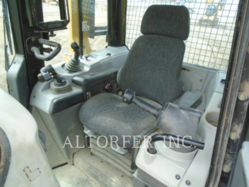 CATERPILLAR TRACTORES DE CADENAS D6N LGP W equipment  photo 5