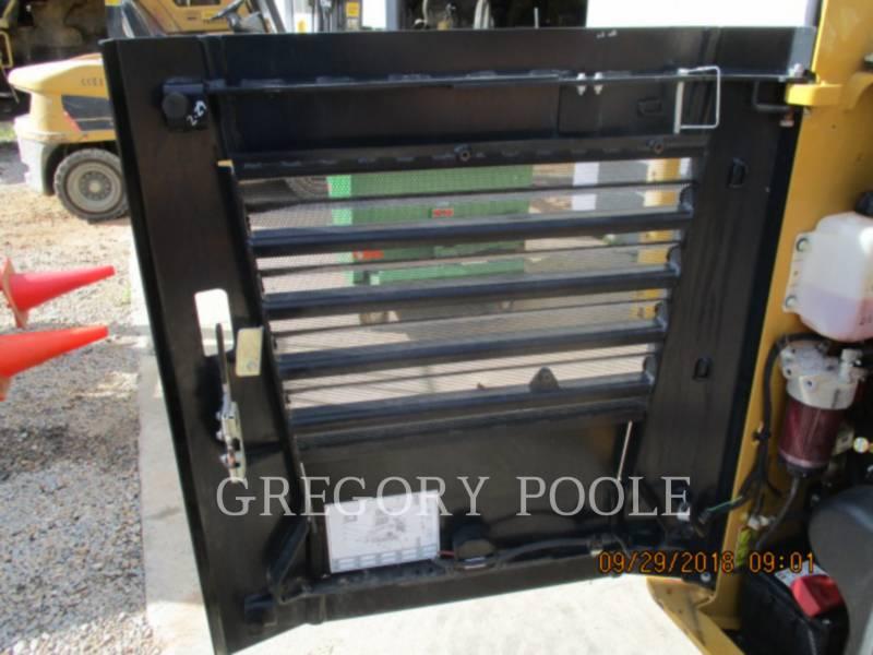 CATERPILLAR MULTI TERRAIN LOADERS 257D equipment  photo 14