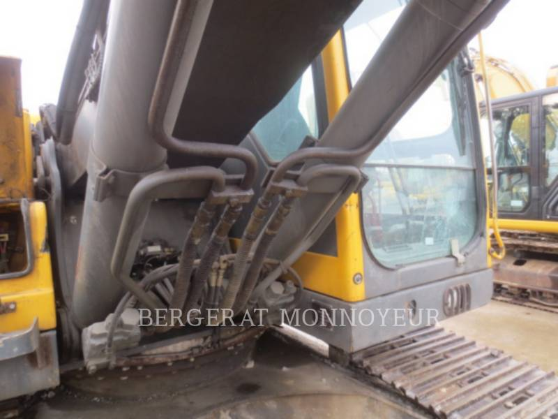 VOLVO CONSTRUCTION EQUIPMENT トラック油圧ショベル EC210BLC equipment  photo 15