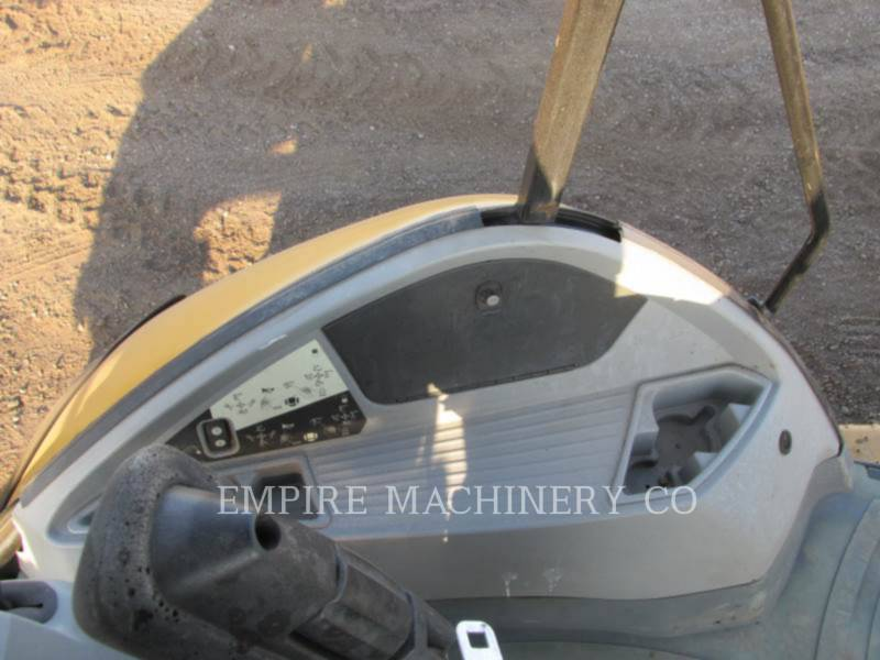 CATERPILLAR CHARGEUSES-PELLETEUSES 450F equipment  photo 7