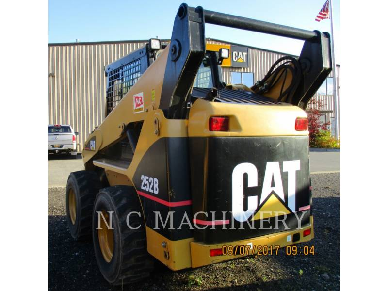 CATERPILLAR SKID STEER LOADERS 252B equipment  photo 4