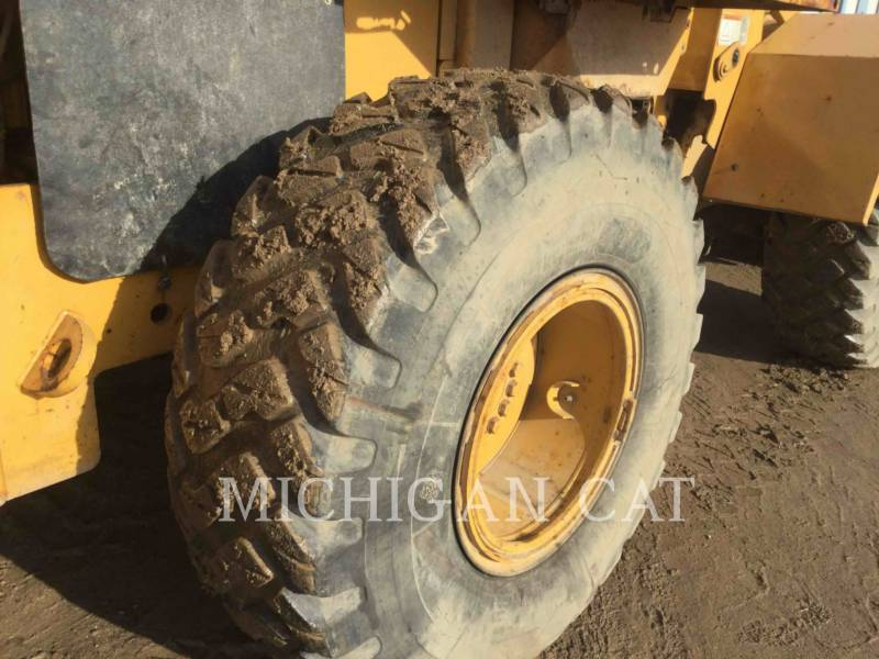 CATERPILLAR PALE GOMMATE/PALE GOMMATE MULTIUSO 938F equipment  photo 19