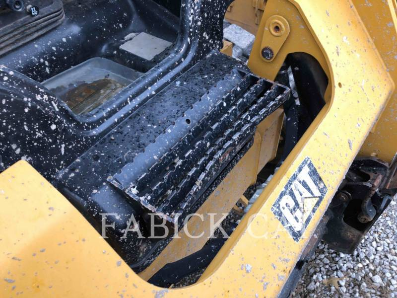 CATERPILLAR CHARGEURS TOUT TERRAIN 259D equipment  photo 15