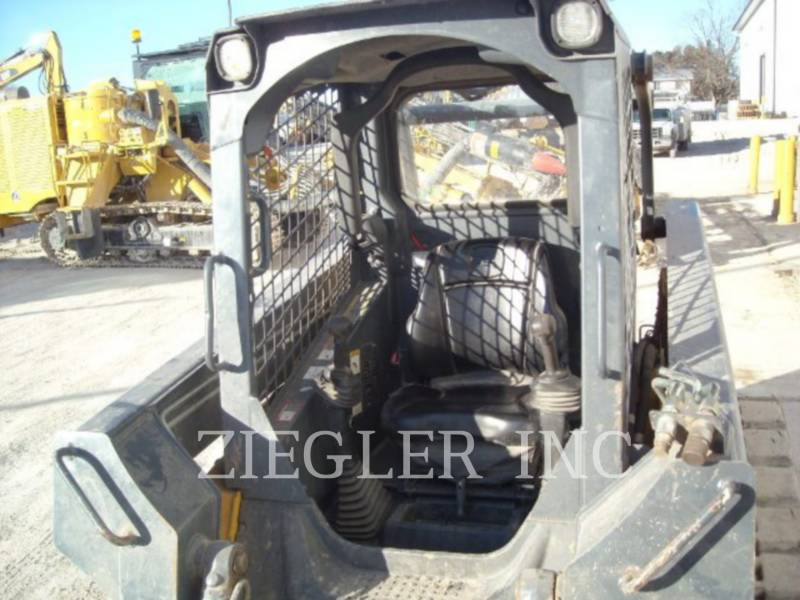 DEERE & CO. CHARGEURS TOUT TERRAIN 323D equipment  photo 5
