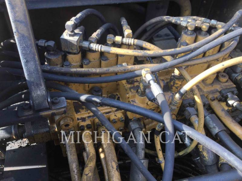 CATERPILLAR EXCAVADORAS DE CADENAS 330L equipment  photo 19