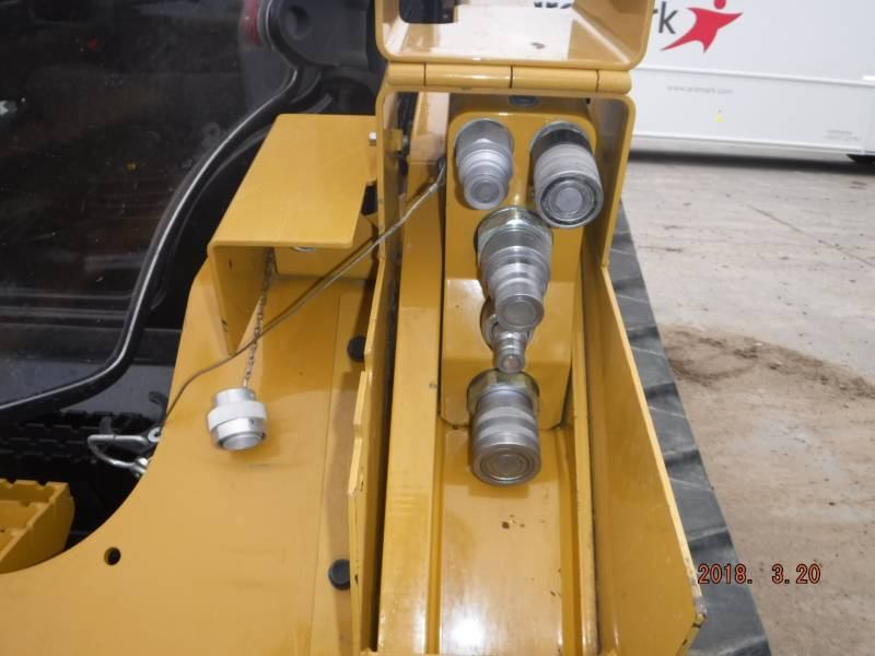 CATERPILLAR CHARGEURS TOUT TERRAIN 299D equipment  photo 10