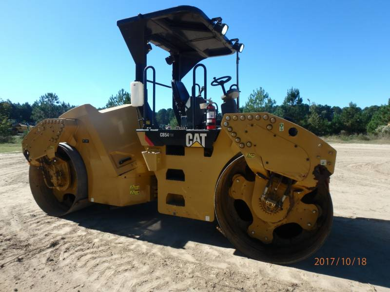 CATERPILLAR COMPACTEURS TANDEMS VIBRANTS CB54 equipment  photo 5