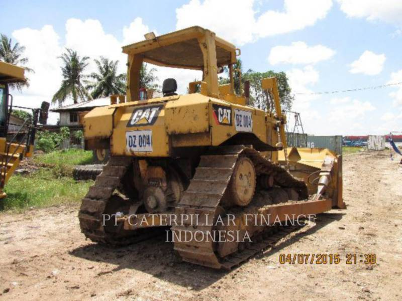 CATERPILLAR TRACTEURS SUR CHAINES D6RIII equipment  photo 9