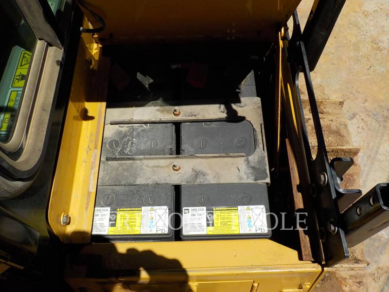 CATERPILLAR TRACTEURS SUR CHAINES D6TLGP equipment  photo 17
