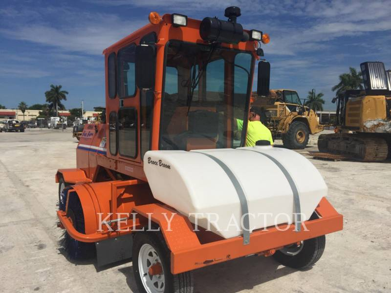BROCE BROOM Barredoras de Calles CRT350 equipment  photo 6