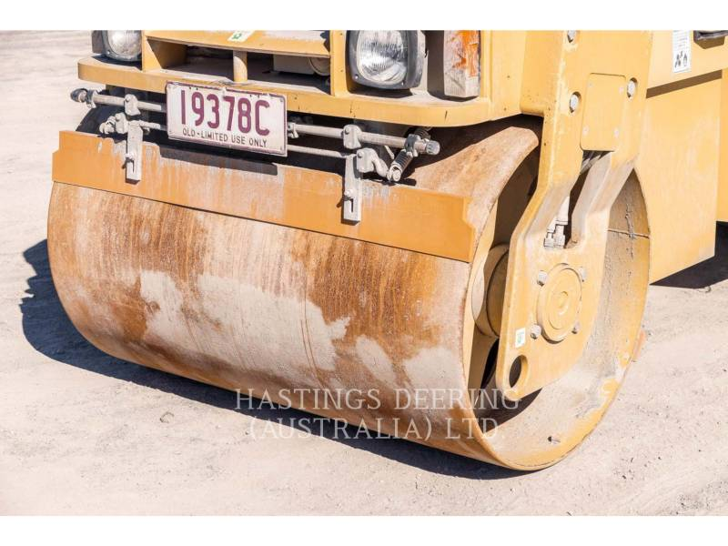 CATERPILLAR VIBRATORY DOUBLE DRUM ASPHALT CC34 equipment  photo 10