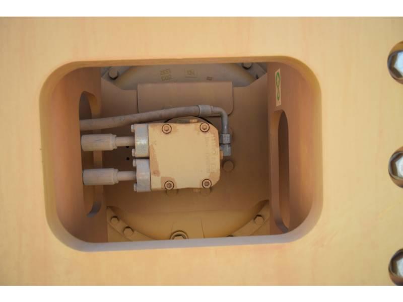 CATERPILLAR COMPACTEURS MIXTES CS54B equipment  photo 13