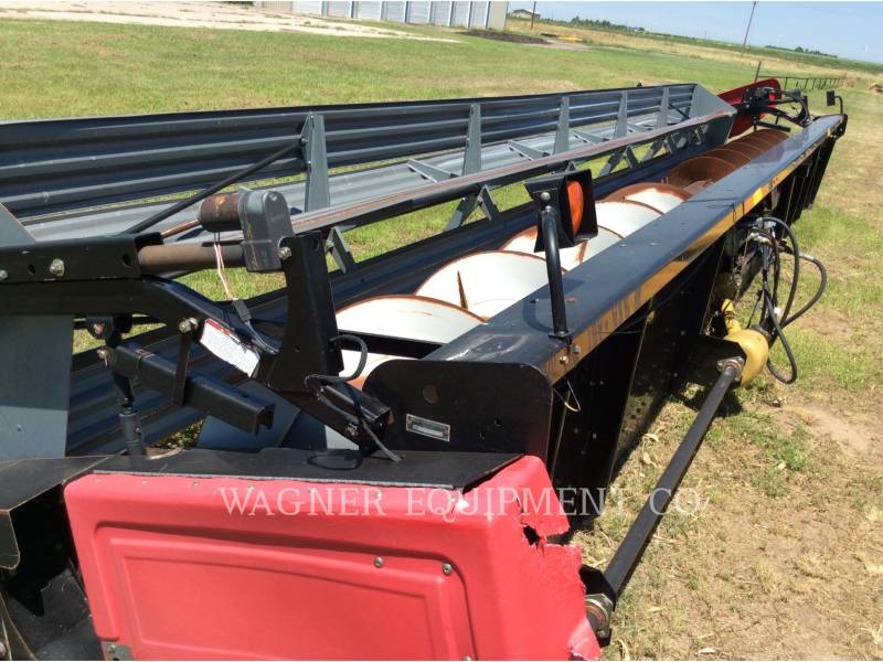 MASSEY FERGUSON TRACTEURS SUR PNEUS - FAUCHEUSE-ANDAINEUSE 30G HEADER equipment  photo 1