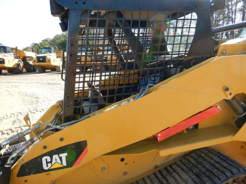CATERPILLAR CHARGEURS TOUT TERRAIN 257B3 equipment  photo 24