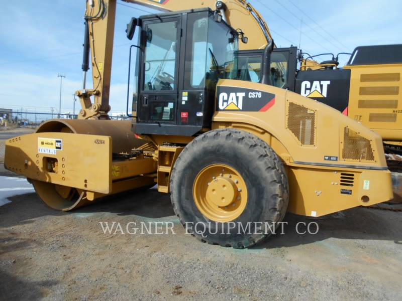 CATERPILLAR コンパクタ CS76 equipment  photo 1
