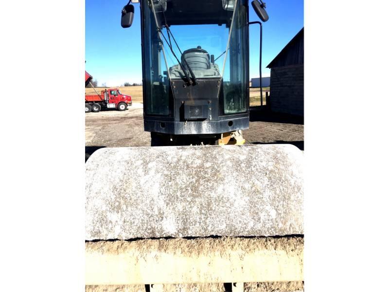 CATERPILLAR COMPACTEUR VIBRANT, MONOCYLINDRE LISSE CS44 equipment  photo 3