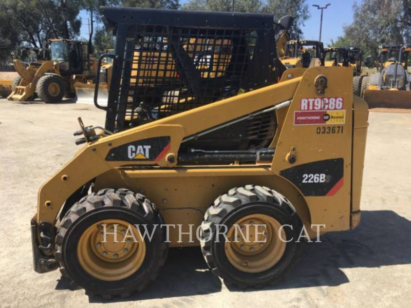 Caterpillar MINIÎNCĂRCĂTOARE RIGIDE MULTIFUNCŢIONALE 226B3 equipment  photo 2