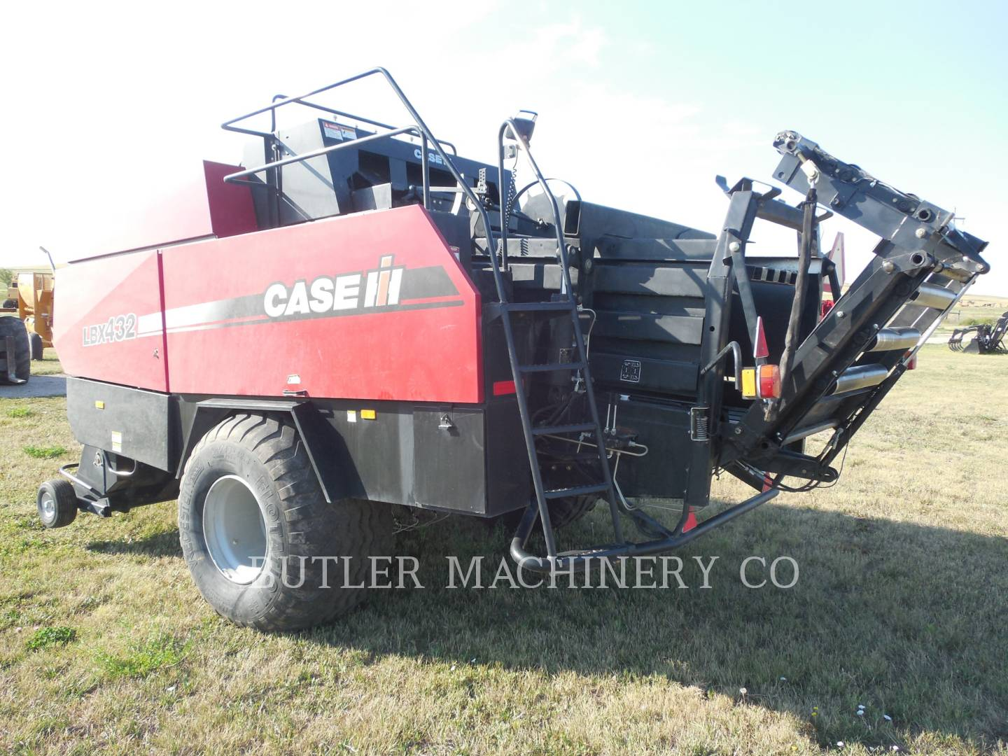 Detail photo of 2008 Case IH LBX432 from Construction Equipment Guide