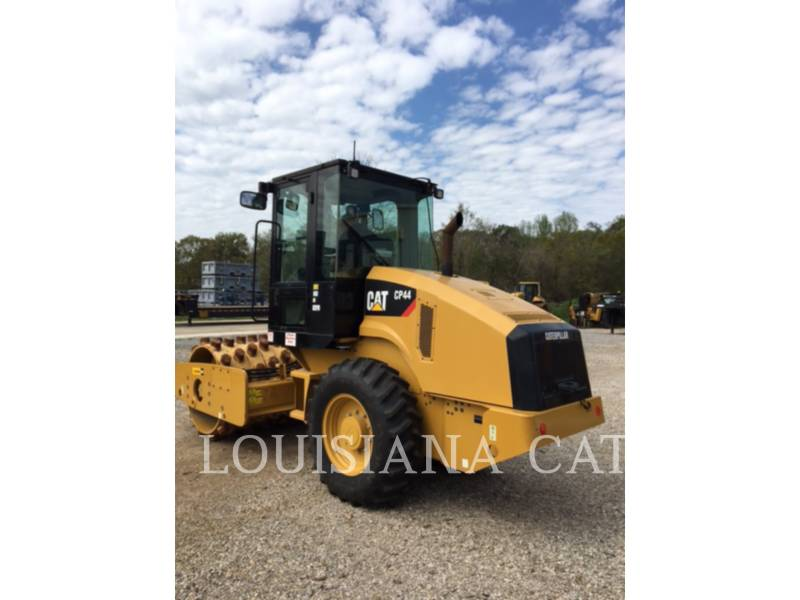 CATERPILLAR COMPACTEURS CP44 equipment  photo 2