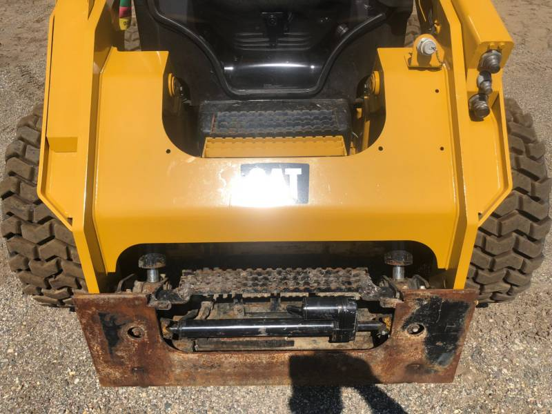CATERPILLAR PALE COMPATTE SKID STEER 262D equipment  photo 12