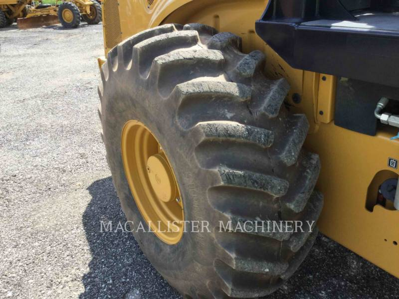 CATERPILLAR COMPATTATORE A SINGOLO TAMBURO VIBRANTE TASSELLATO CP56B equipment  photo 17
