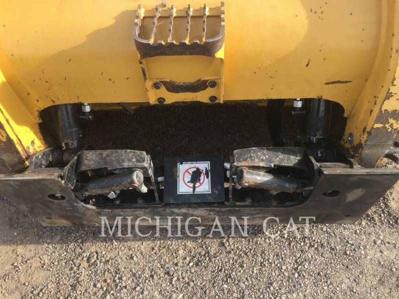 CATERPILLAR SKID STEER LOADERS 252B3 C2Q equipment  photo 18