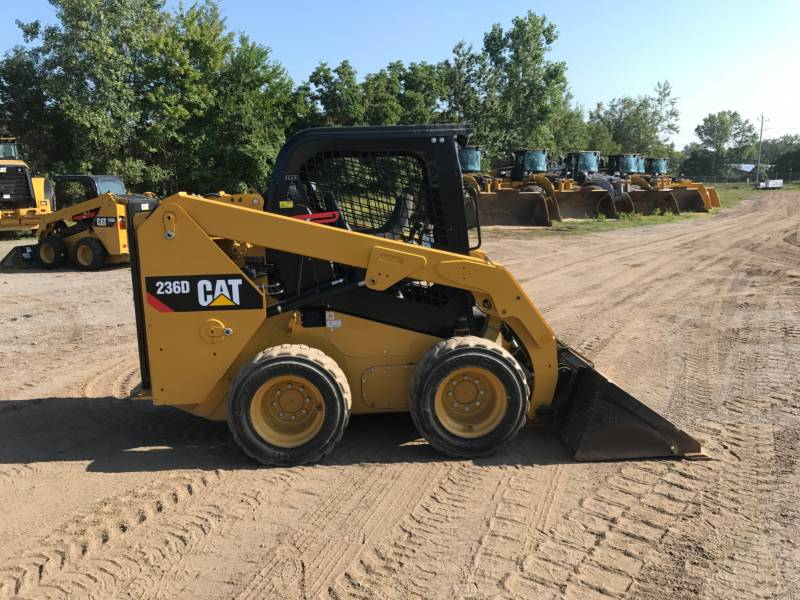 CATERPILLAR MINICARGADORAS 236D equipment  photo 11