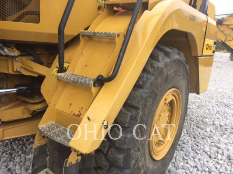CATERPILLAR CAMIONES ARTICULADOS 725C equipment  photo 6