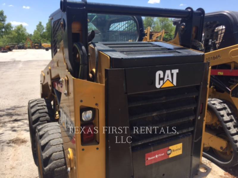 CATERPILLAR CHARGEURS COMPACTS RIGIDES 242 D equipment  photo 5