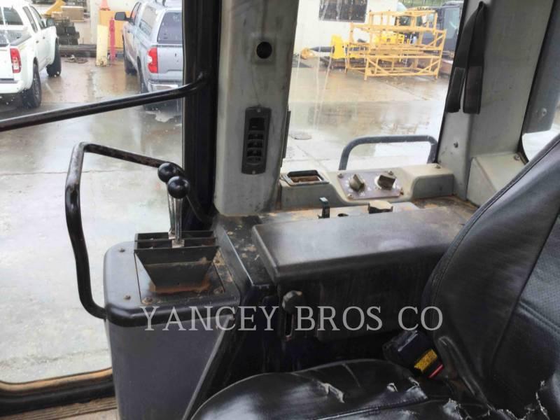 CATERPILLAR PALE CINGOLATE 953C equipment  photo 10