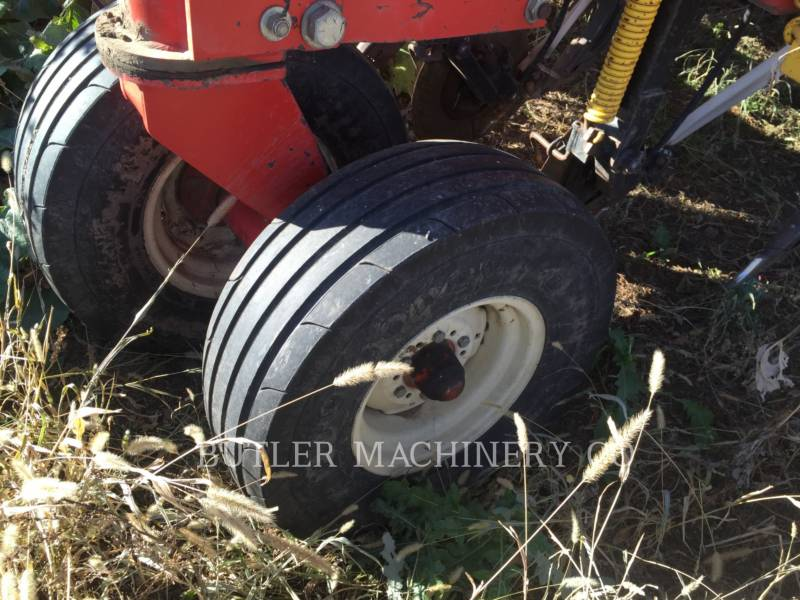 BOURGAULT INDUSTRIES Matériel de plantation 5710 equipment  photo 12