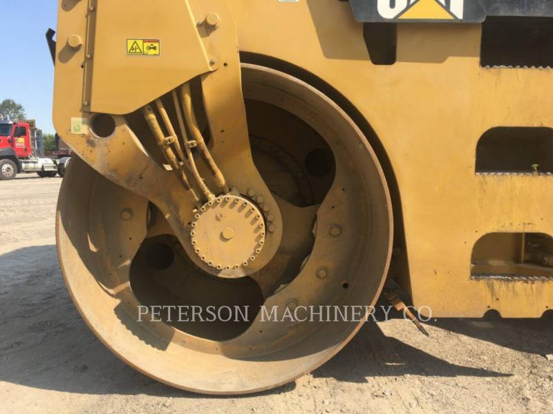 CATERPILLAR VIBRATORY DOUBLE DRUM ASPHALT CB-434D equipment  photo 8