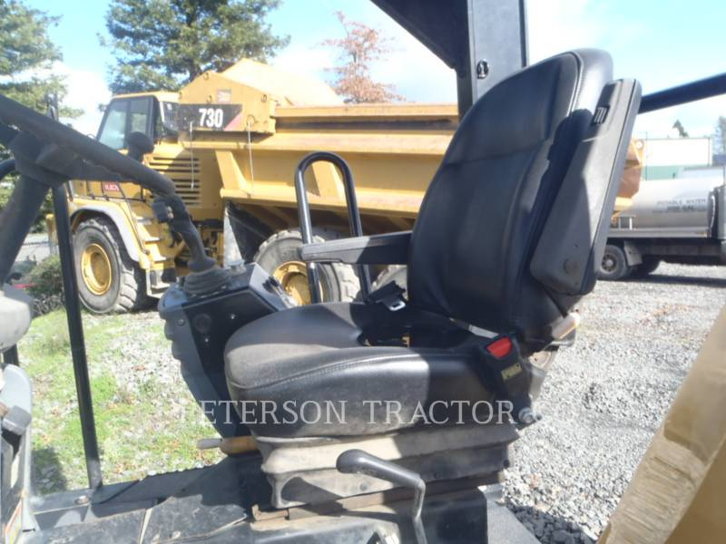 CATERPILLAR VIBRATORY DOUBLE DRUM ASPHALT CB54 XW equipment  photo 2