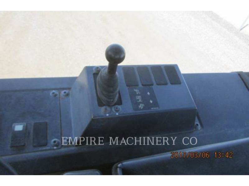 CATERPILLAR TRACK TYPE TRACTORS D5K equipment  photo 12
