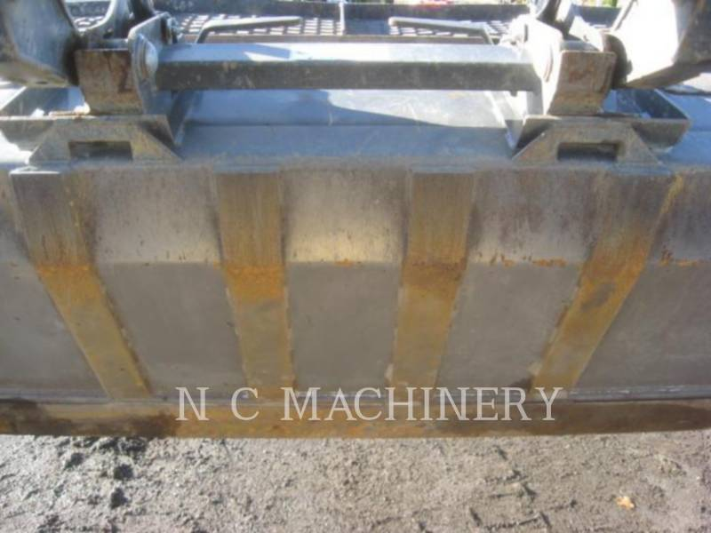FORD / NEW HOLLAND ŁADOWARKI ZE STEROWANIEM BURTOWYM C238 equipment  photo 8