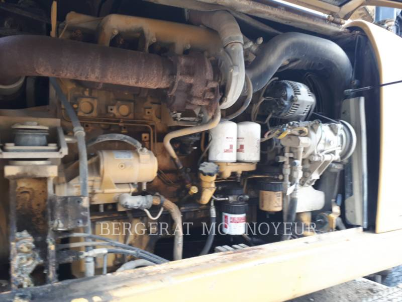 CATERPILLAR WHEEL EXCAVATORS M316C equipment  photo 2