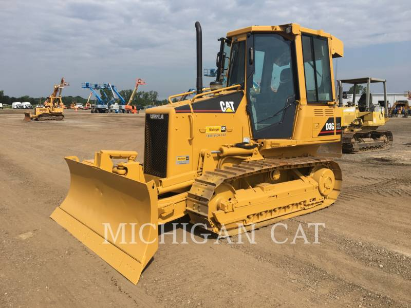 CATERPILLAR TRACK TYPE TRACTORS D3GX C equipment  photo 1